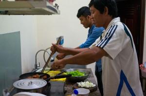 Unsere Guides beim Kochen